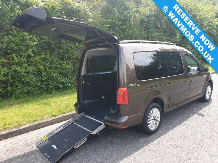 Brown Volkswagen Caddy Maxi C20 Life TDi 2016