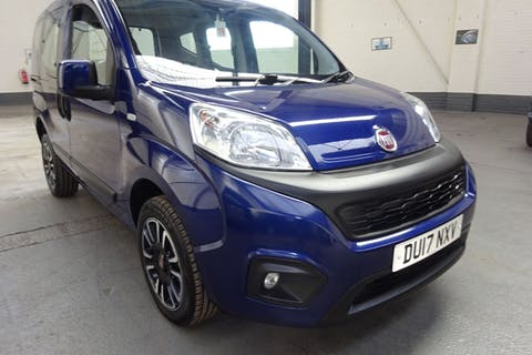 Blue FIAT Qubo Lounge 2017