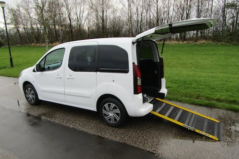 White Citroën Berlingo Multispace HDi Vtr 2015