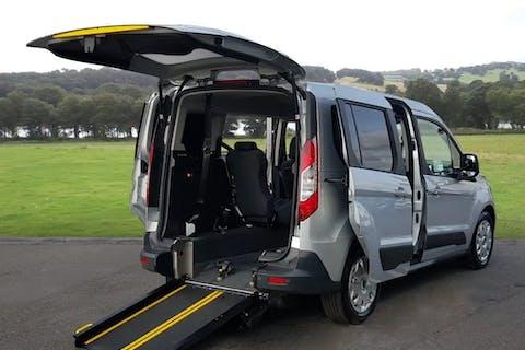 Silver Ford Tourneo Connect Zetec TDCi 2015