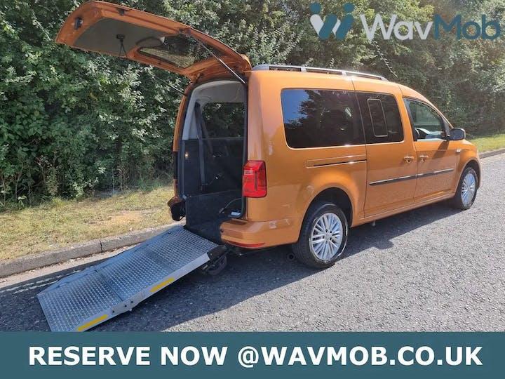 Orange Volkswagen Caddy Maxi C20 Life TDi 2016