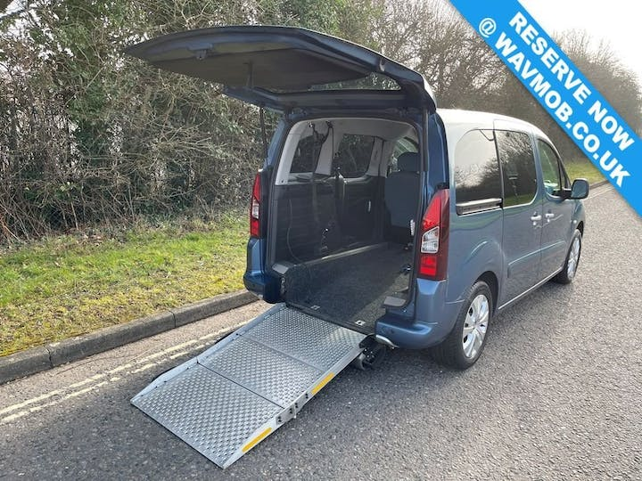 Blue Citroën Berlingo Multispace HDi Plus 2016