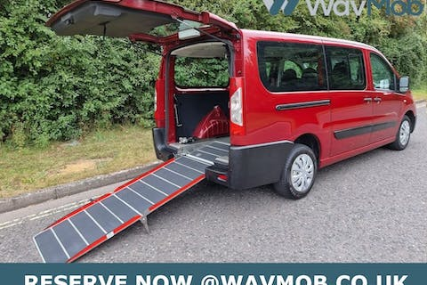 Red Peugeot Expert HDi Tepee Comfort 2011