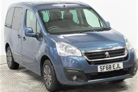 Blue Peugeot Partner Horizon Re 2018