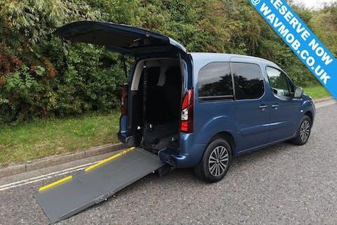 Blue Peugeot Partner HDi Tepee S 2013