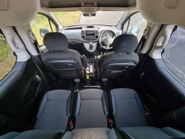 Silver Peugeot Partner HDi Tepee S 2015