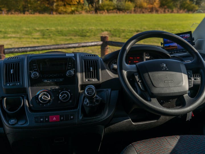 Silver Peugeot Boxer Blue HDi 440 L4h2 W/v 2017