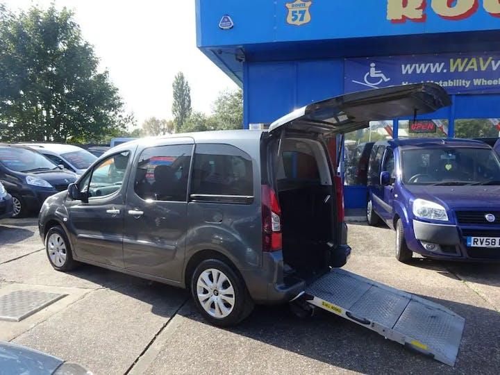 Grey Citroen Berlingo Multispace HDi Plus 2015