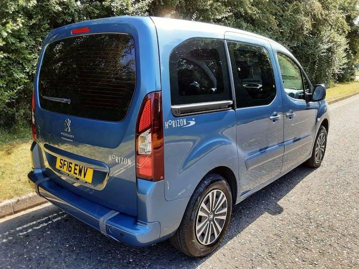 Blue Peugeot Partner Horizon Re 2016