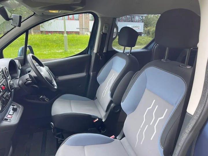 Blue Peugeot Partner HDi S/S Tepee S 2015