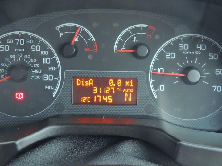 Silver FIAT Qubo MultiJet Mylife Dualogic 2012