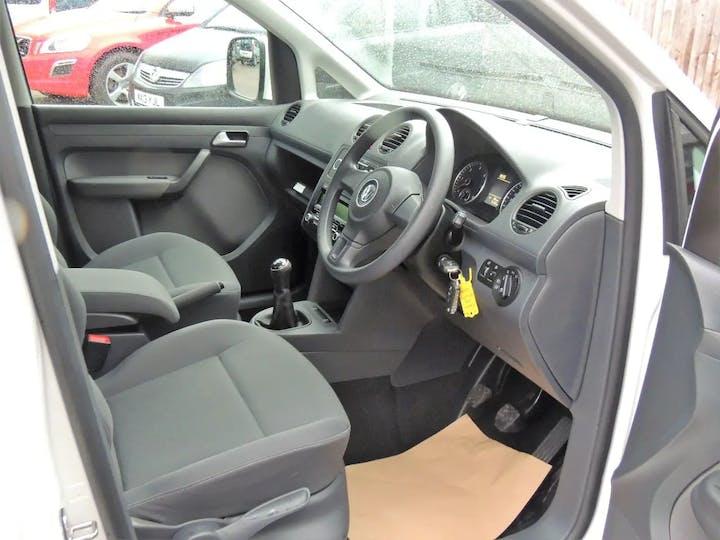 White Volkswagen Caddy C20 Life TDi 2016