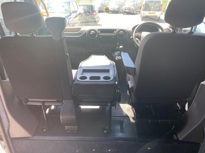 Renault Master Sl28 Business DCi L/r P/v Quickshift 2015