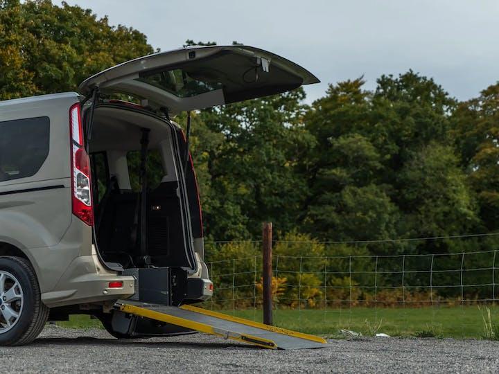 Silver Ford Tourneo Connect Titanium TDCi 2016