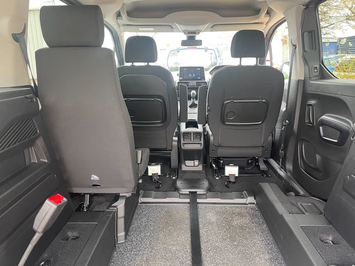 Grey Peugeot Rifter Bluehdi Allure 2019
