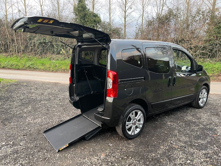 Black FIAT Qubo Mylife 2012