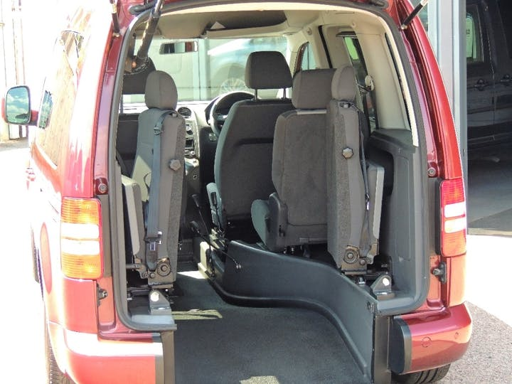 Red Volkswagen Caddy C20 Life TDi 2015