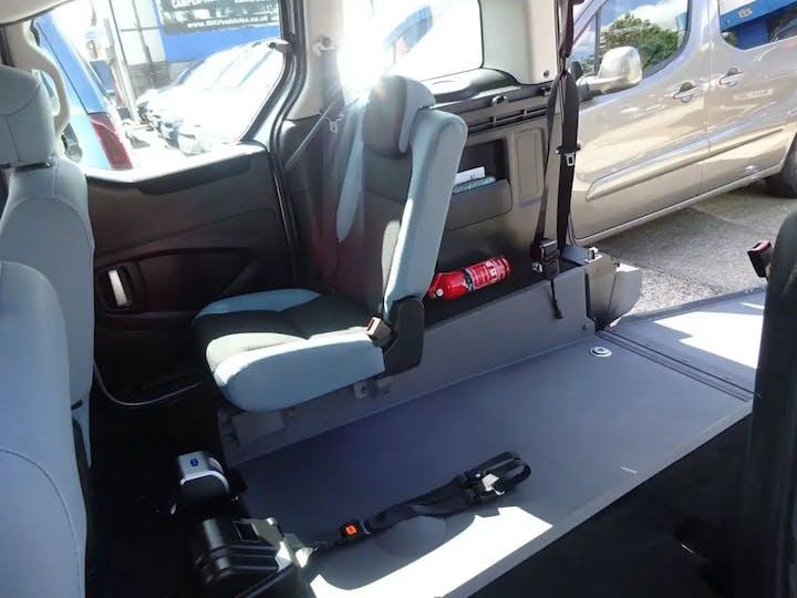 Silver Citroën Berlingo Multispace HDi Vtr 2015