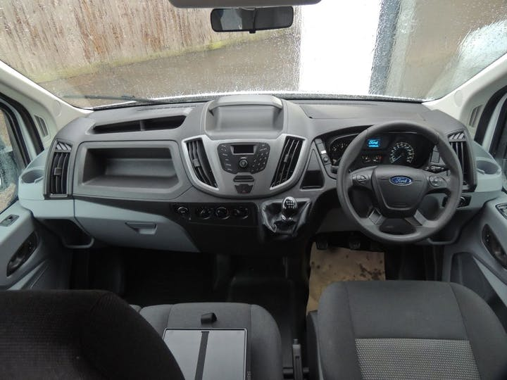 White Ford Transit 350 Shr P/v 2016