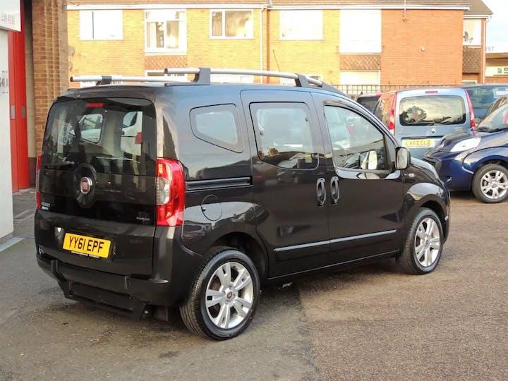Black FIAT Qubo MultiJet Dynamic Dualogic 2011