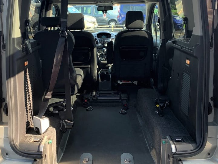 Silver Ford Tourneo Connect Titanium 2015