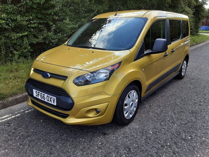 Gold Ford Freedom Grand RS 2017
