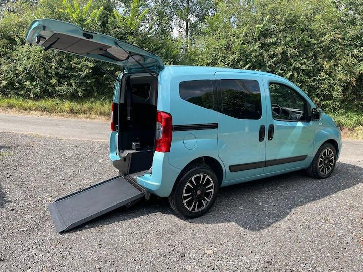 Green FIAT Qubo MultiJet Lounge Dualogic 2017