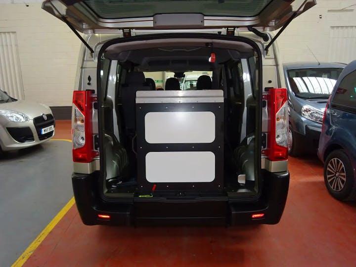 Gold Peugeot Expert HDi Tepee Comfort L1 2015