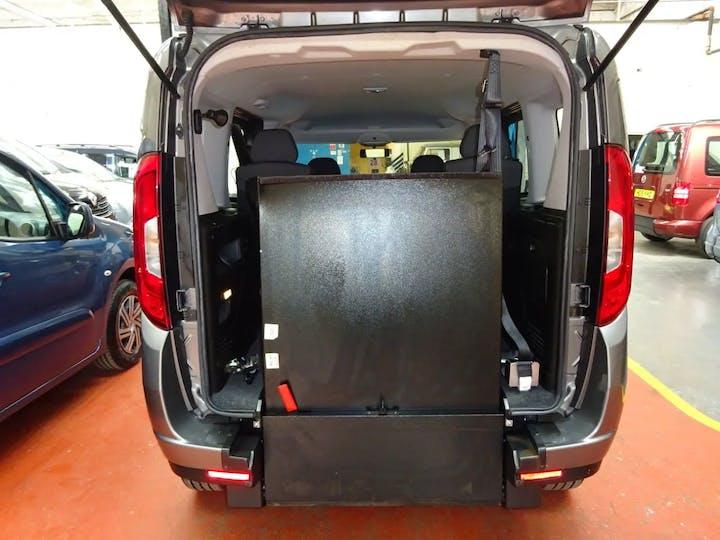 Grey FIAT Doblo MultiJet Easy Dualogic 2015