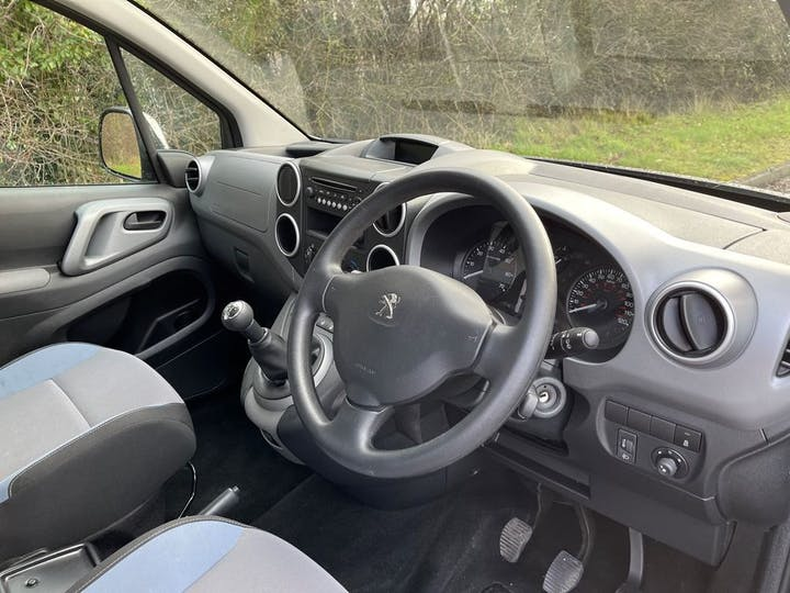 Grey Peugeot Partner Tepee Active 2016