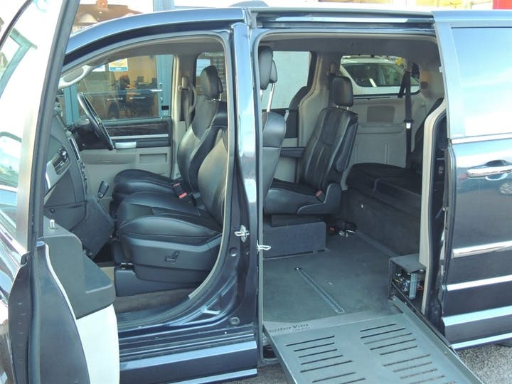Grey Chrysler Grand Voyager CRD Limited 2013