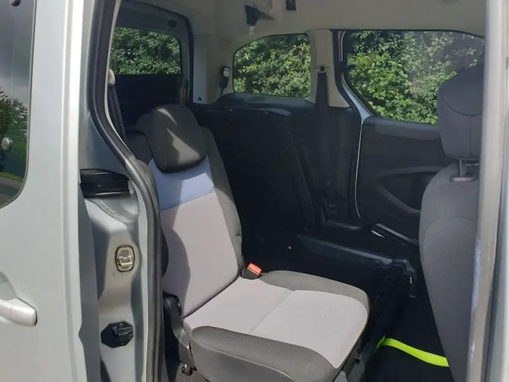 Silver Peugeot Partner HDi Tepee S 2014