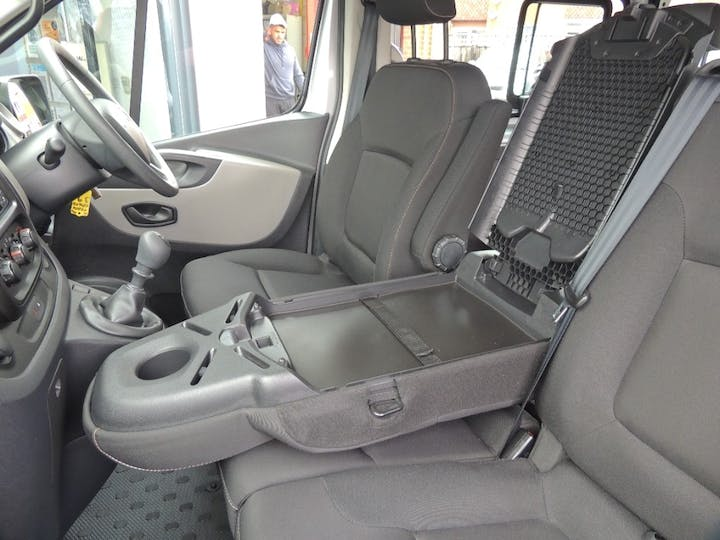 Silver Renault Trafic Sl27 Business Plus DCi S/r P/v 2016