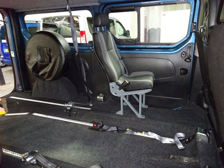 Blue Renault Trafic Ll29 Sport DCi S/r P/v 2016