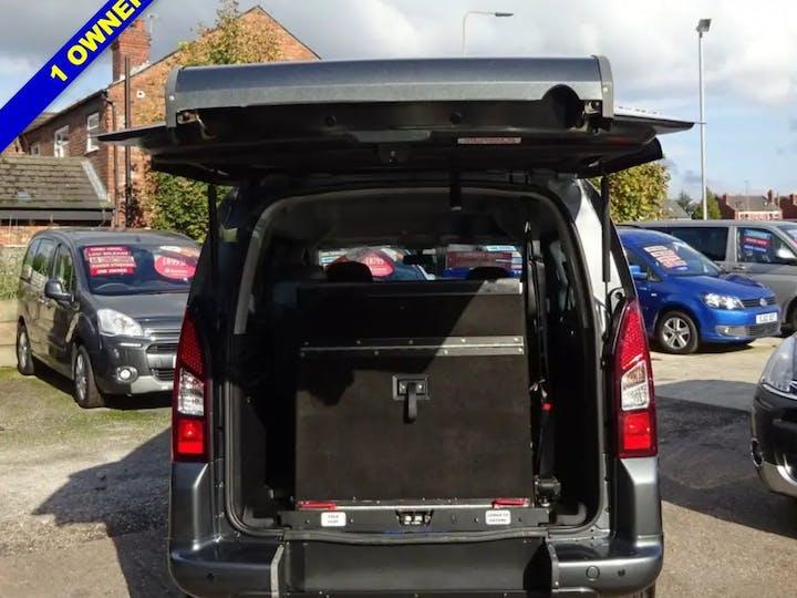 Grey Peugeot Partner HDi Tepee S 2015