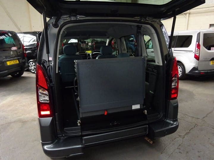 Grey Citroën Berlingo Multispace HDi Vtr 2015