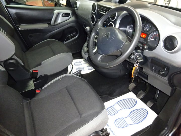 Grey Citroen Berlingo Multispace Bluehdi Feel Edition 2017