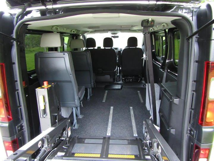 Black Renault Trafic Sl27 Business Energy Dci 2018