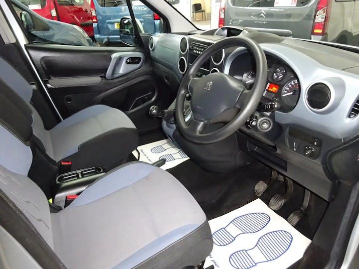 Silver Peugeot Partner Tepee S 2015