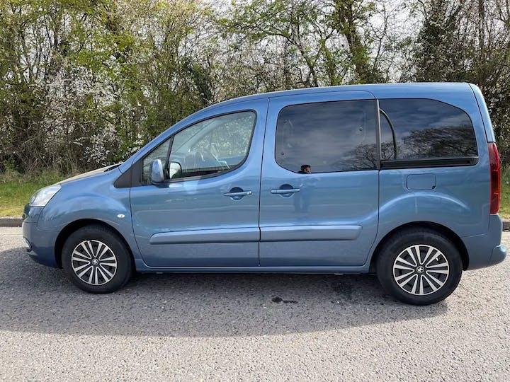 Blue Peugeot Partner E-hdi Tepee S 2014