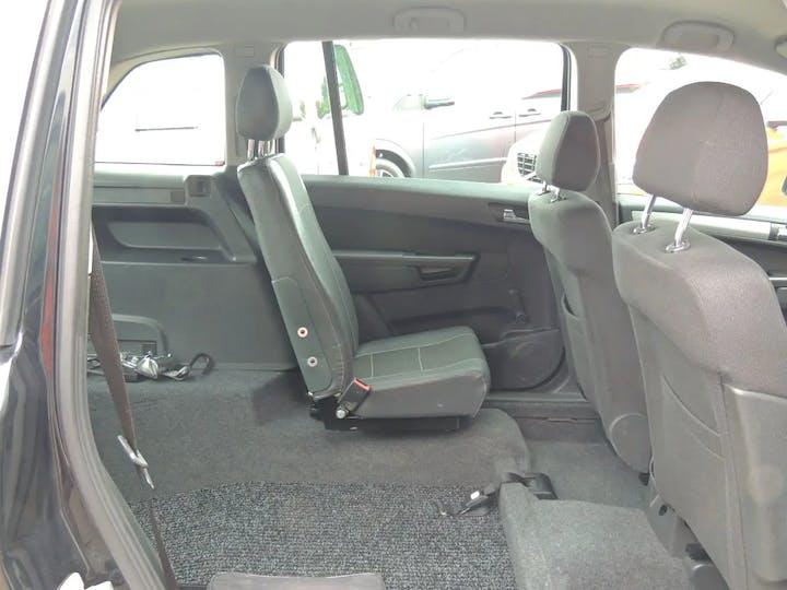 Grey Vauxhall Zafira Exclusiv 2013