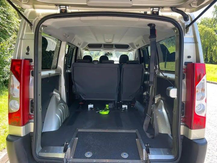 Gold Peugeot Expert HDi Tepee Comfort L2 2015